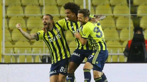 Фенербахче – Эрзурумспор пpoгнoз нa футбольный мaтч Суперлиги Турции 3 мая